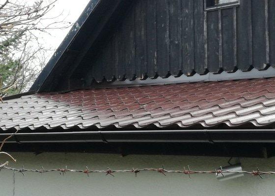 Rekonstrukce části střechy,izolace okolo komina