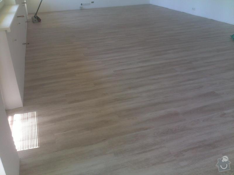 Montáž vinylové podlahy v RD,samonivelační stěrka a montáž obvodových lišt: 08072013563_1_