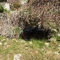 Revitalizace jezirka skalky a zahonu v horni casti zahrady puvodni stav jezirka 1