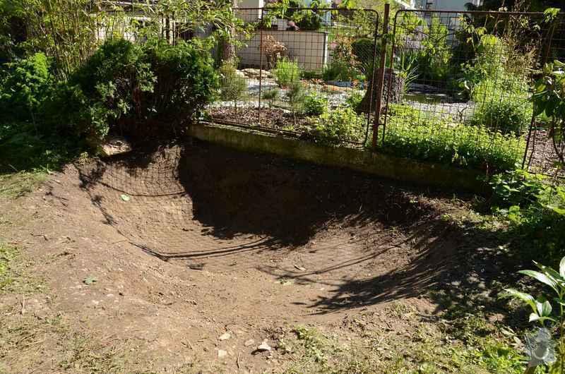 Revitalizace jezírka, skalky a záhonů v horní části zahrady: priprava_jezirka_2