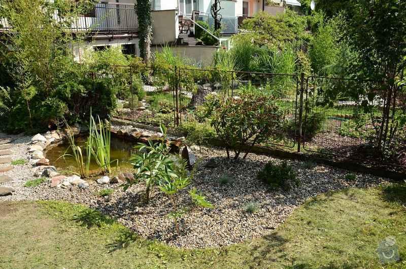 Revitalizace jezírka, skalky a záhonů v horní části zahrady: horni_zahrada_po_revitalizaci_1