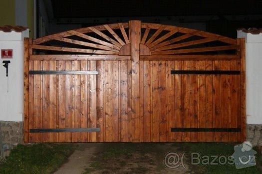 Celodřevěná dvoukřídlá brána i s brankou: vrata_oder
