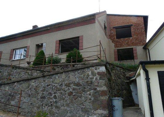 Zateplení fasády 250m2, šedý polystyren, patrový RD