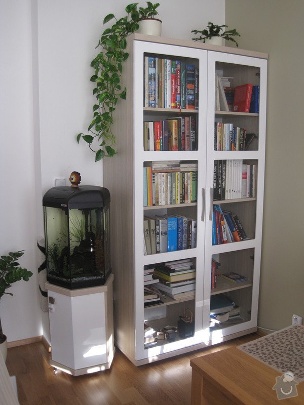 Zařízení interiéru- kuchyně, vestavěné skříně, jídelna, ložnice: IMG_1776