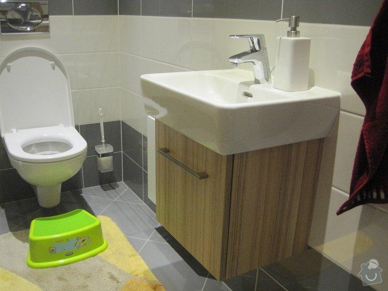 Zařízení interiéru- kuchyně, vestavěné skříně, jídelna, ložnice: IMG_1778