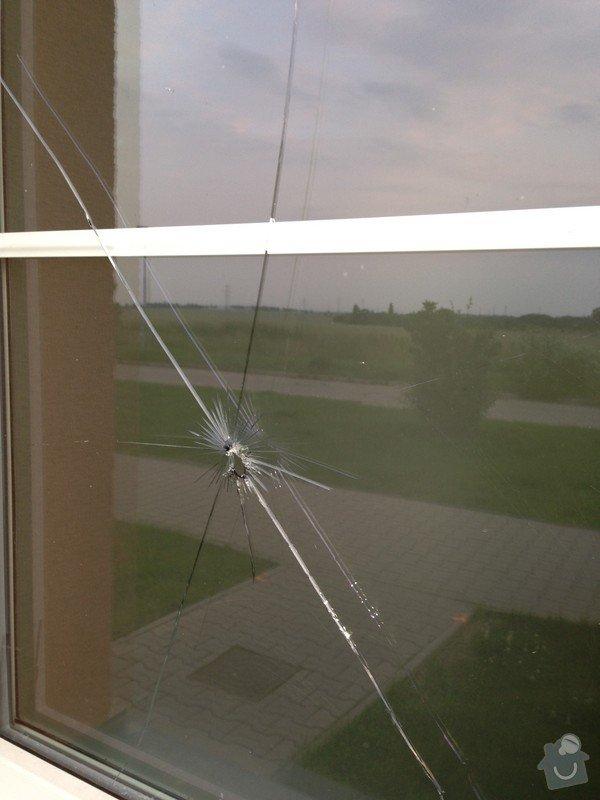 Výměna rozbitého skla - okno Vekra: image01