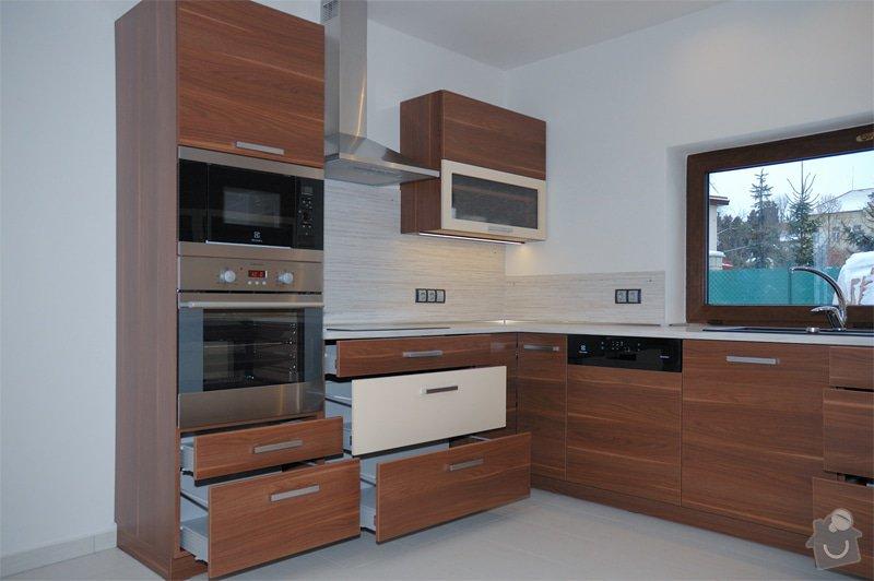 Kuchyň a vestavěná skříň: 14