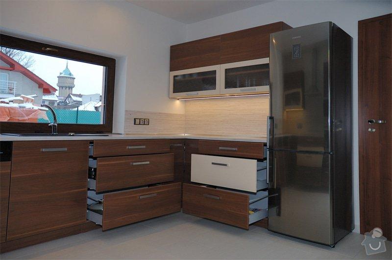 Kuchyň a vestavěná skříň: 15