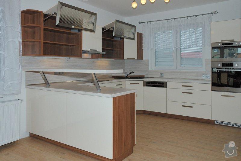 Kuchyňska linka: 3