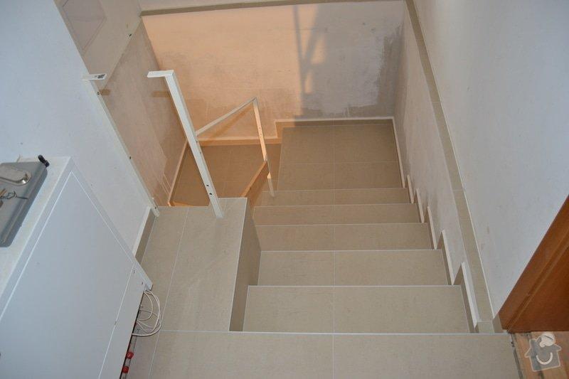 Obložení schodiště a položení dlažby v novostavbě rodinného domu: R_8_