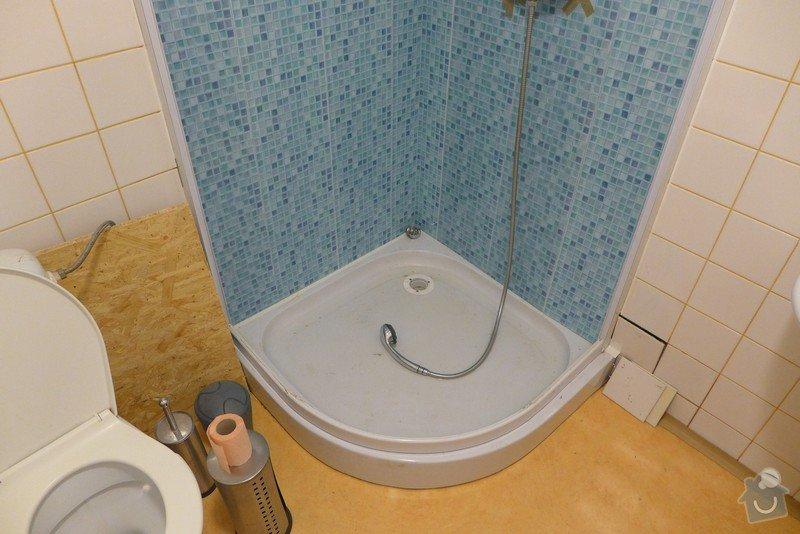 Instalace dvou sprchových koutů, dozdění příčky, částečně i obklady: P1020292
