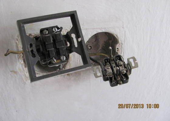 Oprava elektroinstalace ve starem rod dome