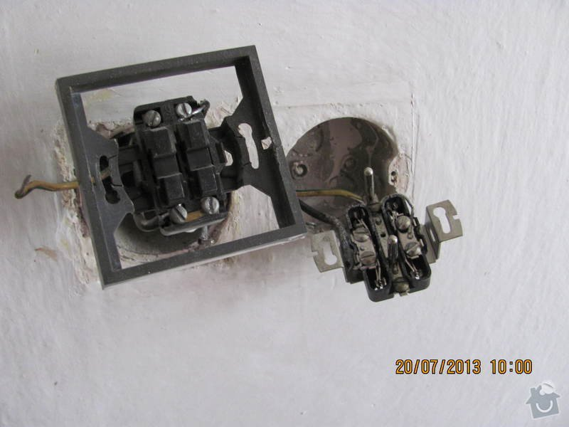Oprava elektroinstalace ve starem rod dome: 1._porucha_zasuvky