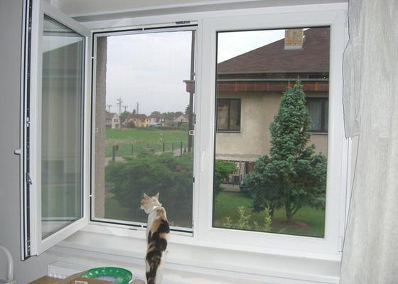Výměna oken a vchodových dveří