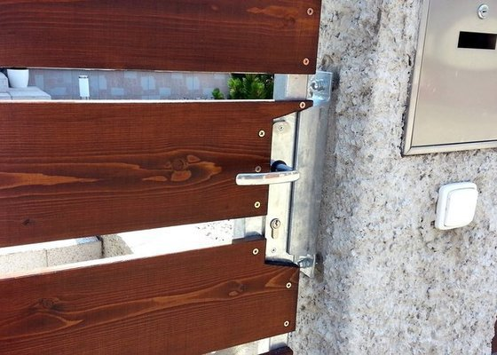 Plot, pojezdová brána a branka