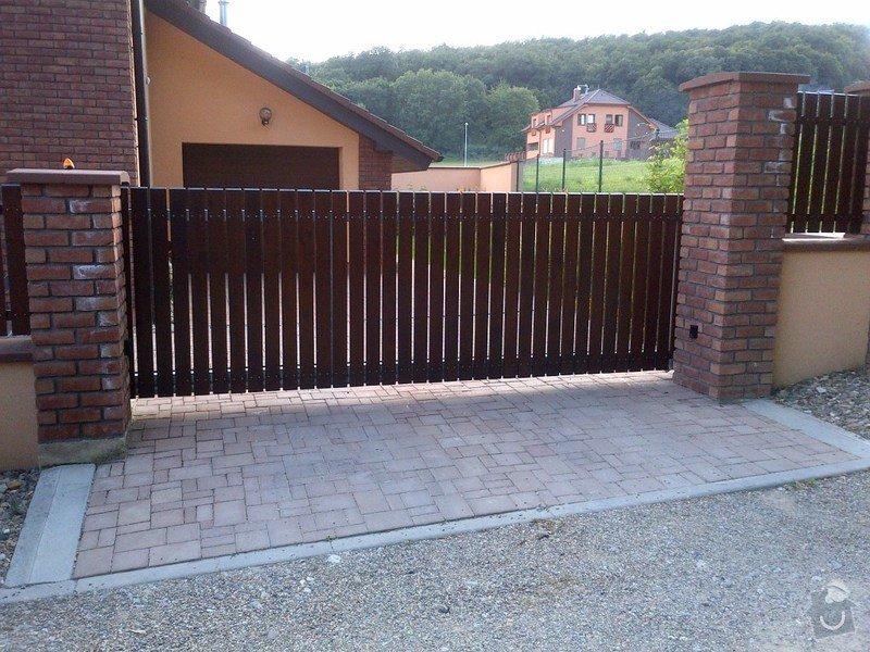 Stavba plotu - zděný plot + sloupky Brickland/Klinker: IMG-20130720-00146