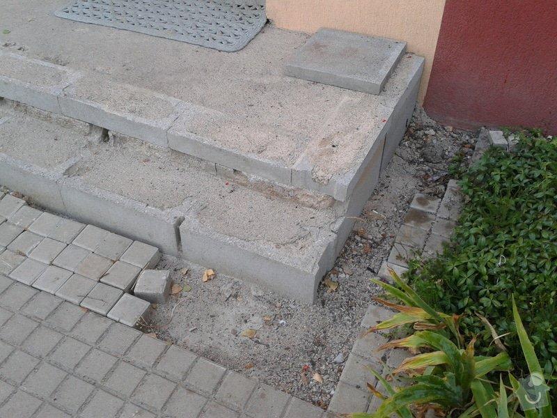 Dokončení vstupního schodiště u panelového domu: 2013-07-17_20.01.40