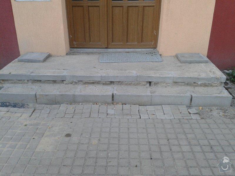 Dokončení vstupního schodiště u panelového domu: 2013-07-17_20.01.51