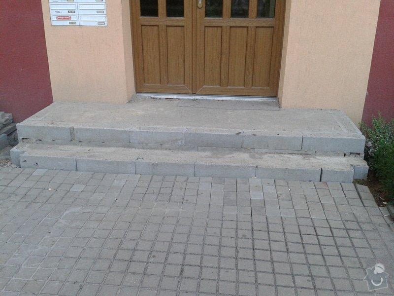 Dokončení vstupního schodiště u panelového domu: 2013-07-17_20.02.48