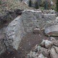 Vyzdeni pevneho tarasu z kamenu chata zed