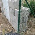 Stavba plotu svoboda   detail zednicke prace 1