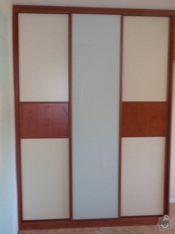 Výroba a montáž vestavěných skříní + postele: P8010258