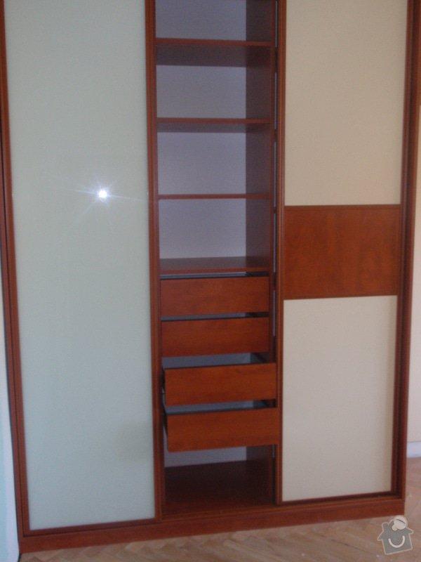 Výroba a montáž vestavěných skříní + postele: P8010262