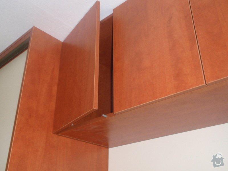 Výroba a montáž vestavěných skříní + postele: P8010265