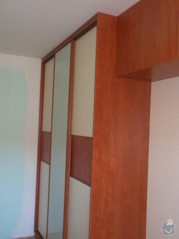 Výroba a montáž vestavěných skříní + postele: P8010267