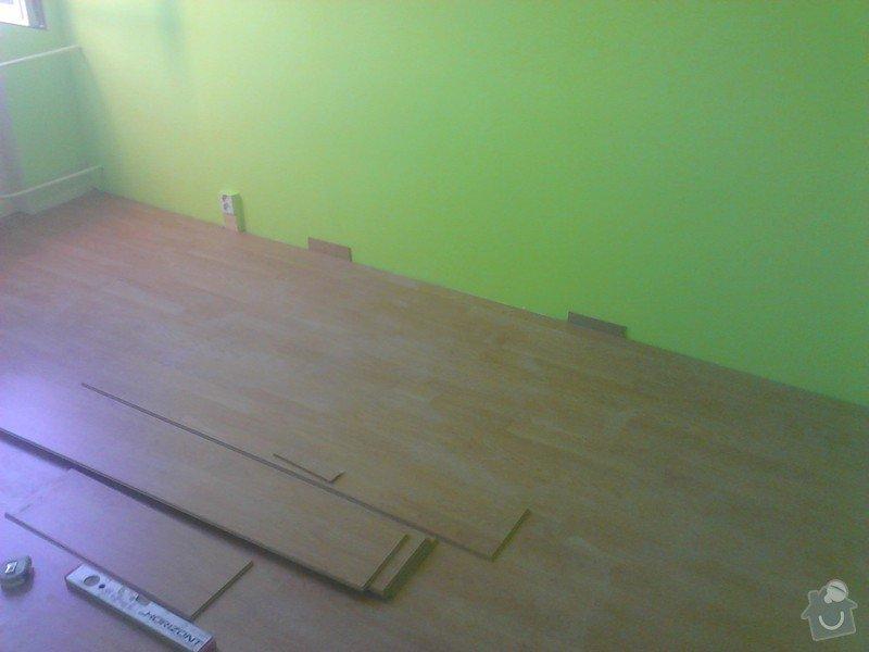 Rekonstrukce panelového bytu: montaz_plovoucich_podlah_loznice