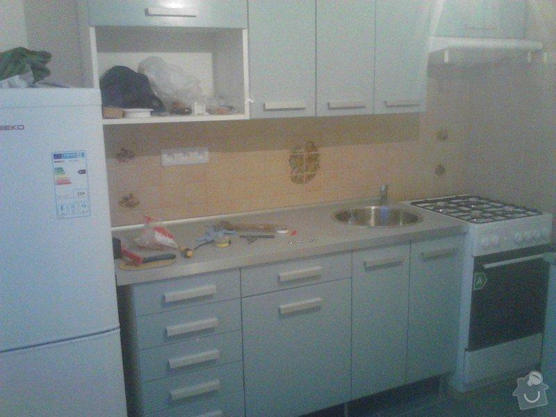 Rekonstrukce panelového bytu: zpetna_montaz_kuchynske_linky