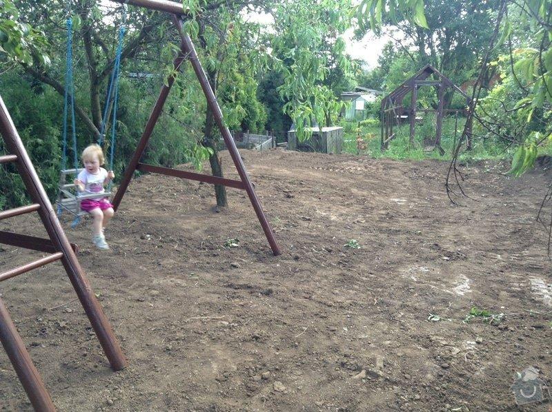 Zemní práce (likvidace betonové desky, úprava zeminy na zahradě)): image