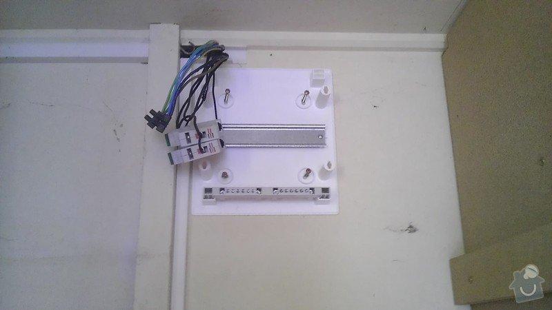Výměna jističů, natažení kabelu a napojení dvouzásuvky: IMAG2522