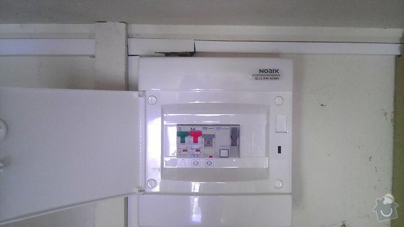 Výměna jističů, natažení kabelu a napojení dvouzásuvky: IMAG2526