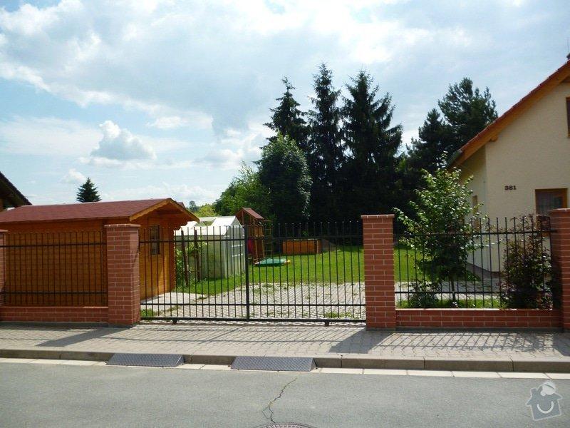 Plot a bránu: P1000141