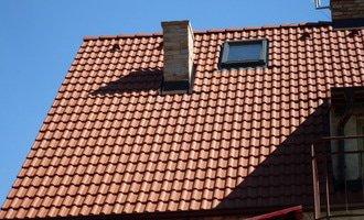 Rekonstrukce a zatepleni strechy cela strecha 002
