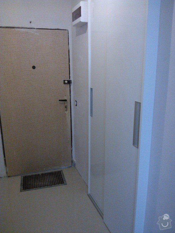 Vestavná skříň/dveře do niky: 20130625_115725_WP_001223