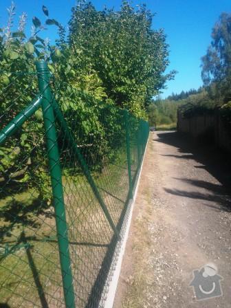 Oplocení zahrady Struhařov: Oploceni_zahrady_v_obci_Struharov_