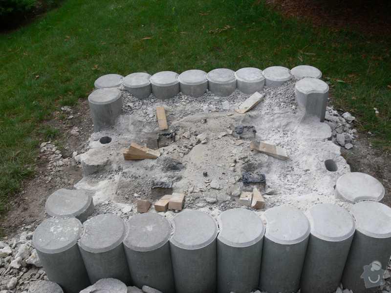 Likvidace betonového soklu po soše: podstavec