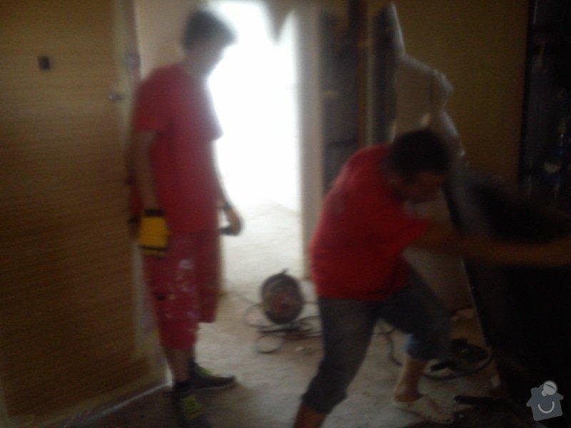 Bourací práce v panelovém domě: DSC_0013_1_