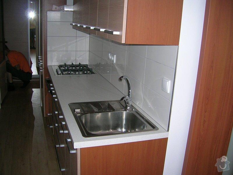 Rekonstrukce koupelny,WC a kuchyně : DSCN5215