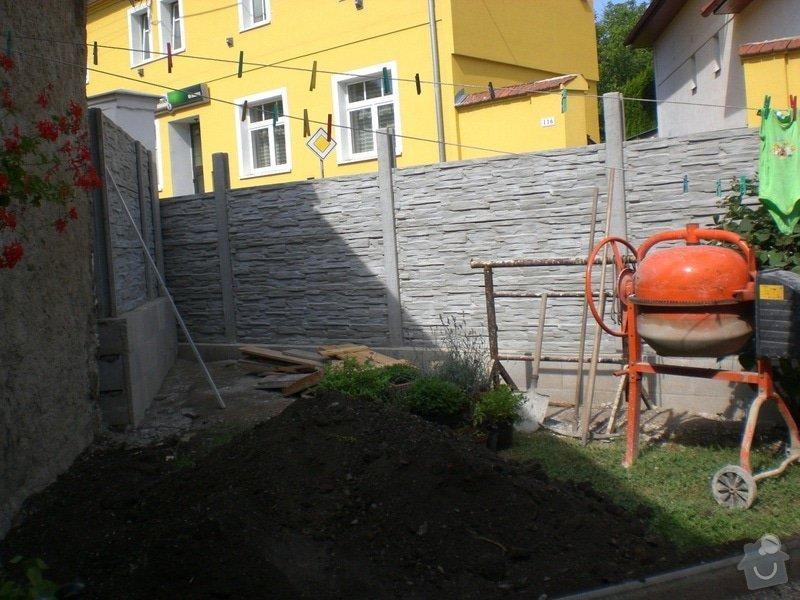 Rekonstrukce,zděného plotu,zámková dlažba,gril s udírnou,natáhnout fasádní barvu na rodiný dům: CIMG3162
