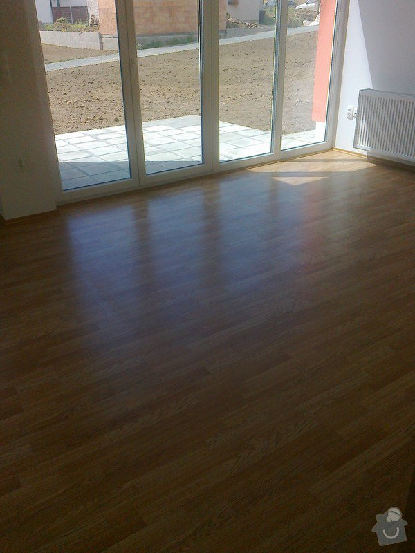 Dodávka a montáž interierových dveří Gerbrich a plovoucích podlah Kronofix dub parketa: Fotografie0248