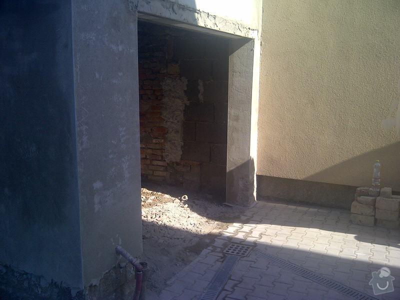 Garážová vrata: Praha-20130816-00071