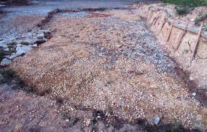 Vyasfaltování plochy vzniklé odbagrováním terénu: asfalt2