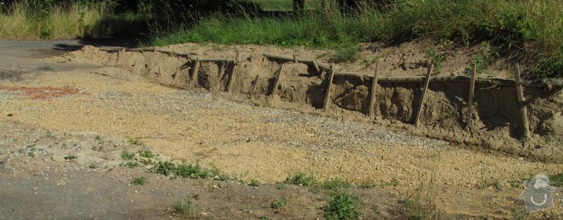 Vyasfaltování plochy vzniklé odbagrováním terénu: asfalt1