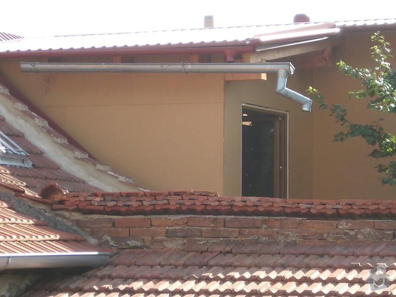 Obklad RD - Podbití přesahu střechy plastovými palubkami: bok_pred_podbitim