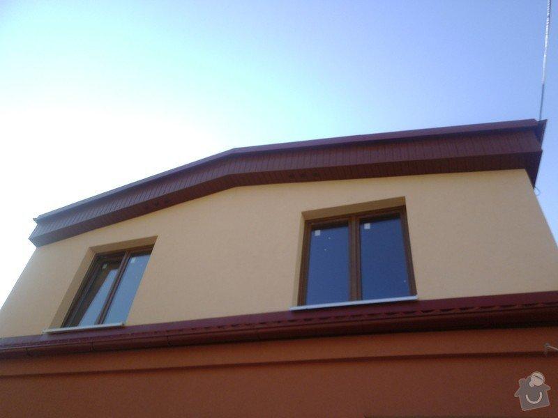 Obklad RD - Podbití přesahu střechy plastovými palubkami: P1010115