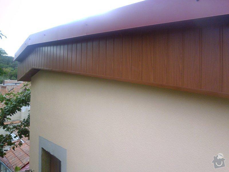 Obklad RD - Podbití přesahu střechy plastovými palubkami: P1010004