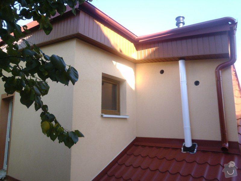 Obklad RD - Podbití přesahu střechy plastovými palubkami: P1010098